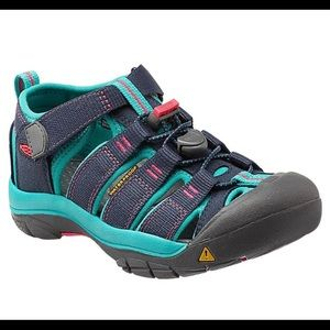 Keen girls trail/water shoes